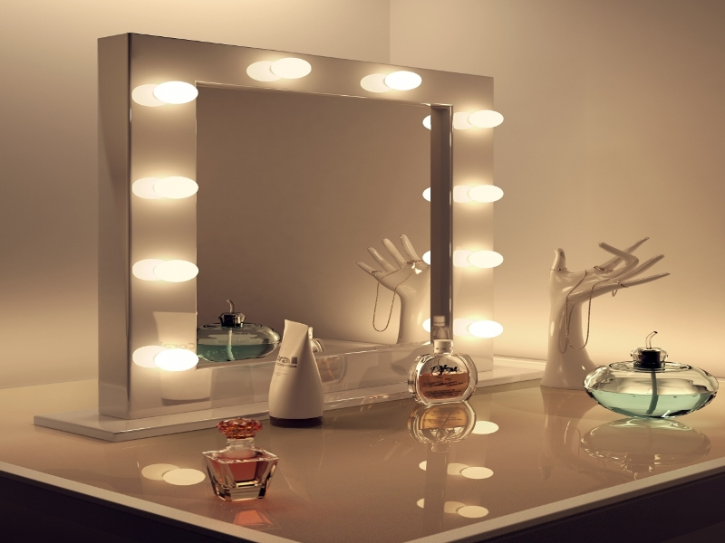 Image of: Hollywood Vanity Mirror With Lights