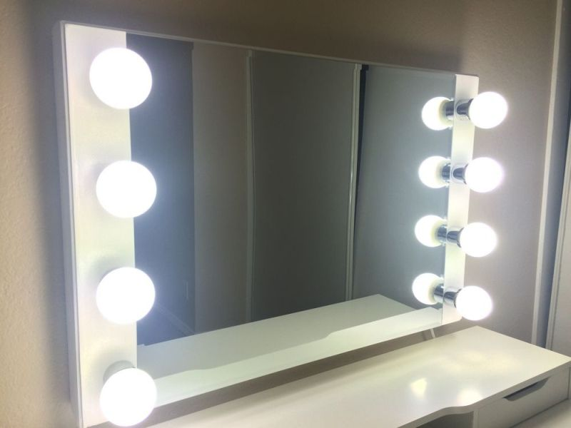 Image of: Vanity Mirror With Lights