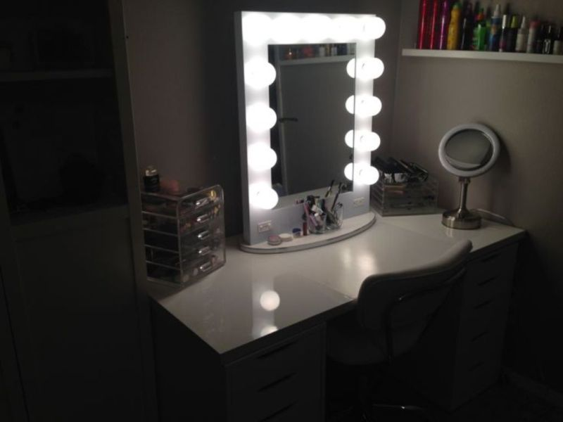 Vanity Sets With Lights
