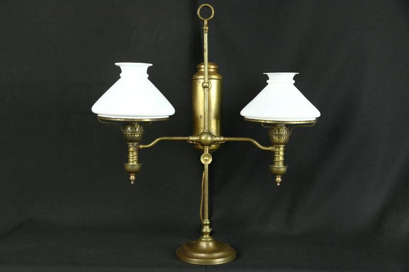 Picture of: Victorian Glass Lamp Shades Table Lamps