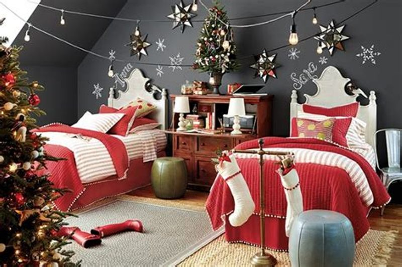 Image of: Decorative Idea For Bedroom And Christmas Lights