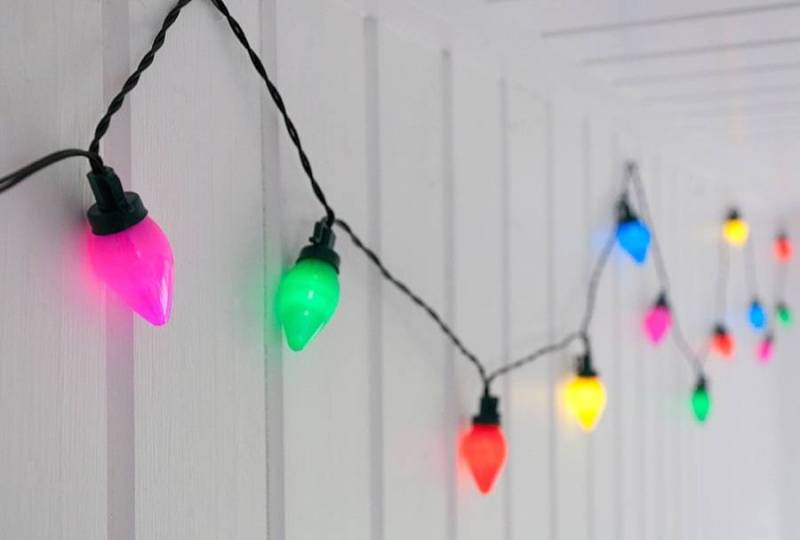 Picture of: Vintage String Lights With Bulbs