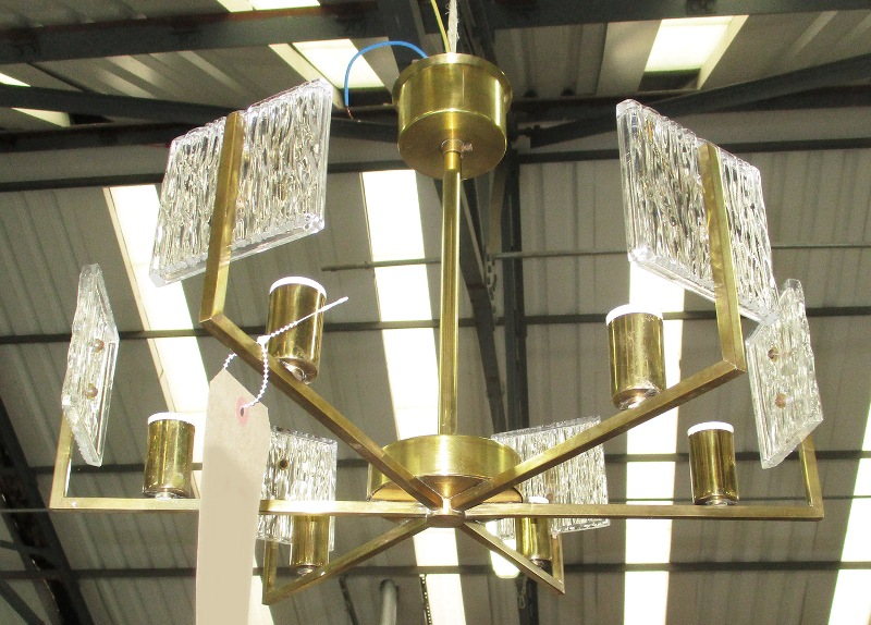 Picture of: Chandelier Square Glass Shades Design