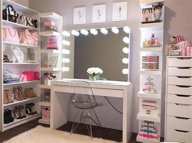 Diy Vanity Table With Lights