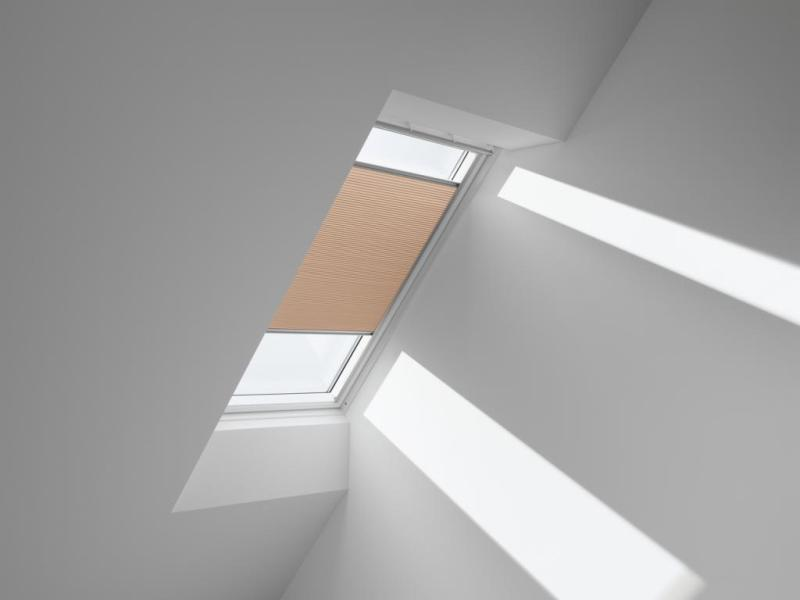 Picture of: Skylight Shade Ideas