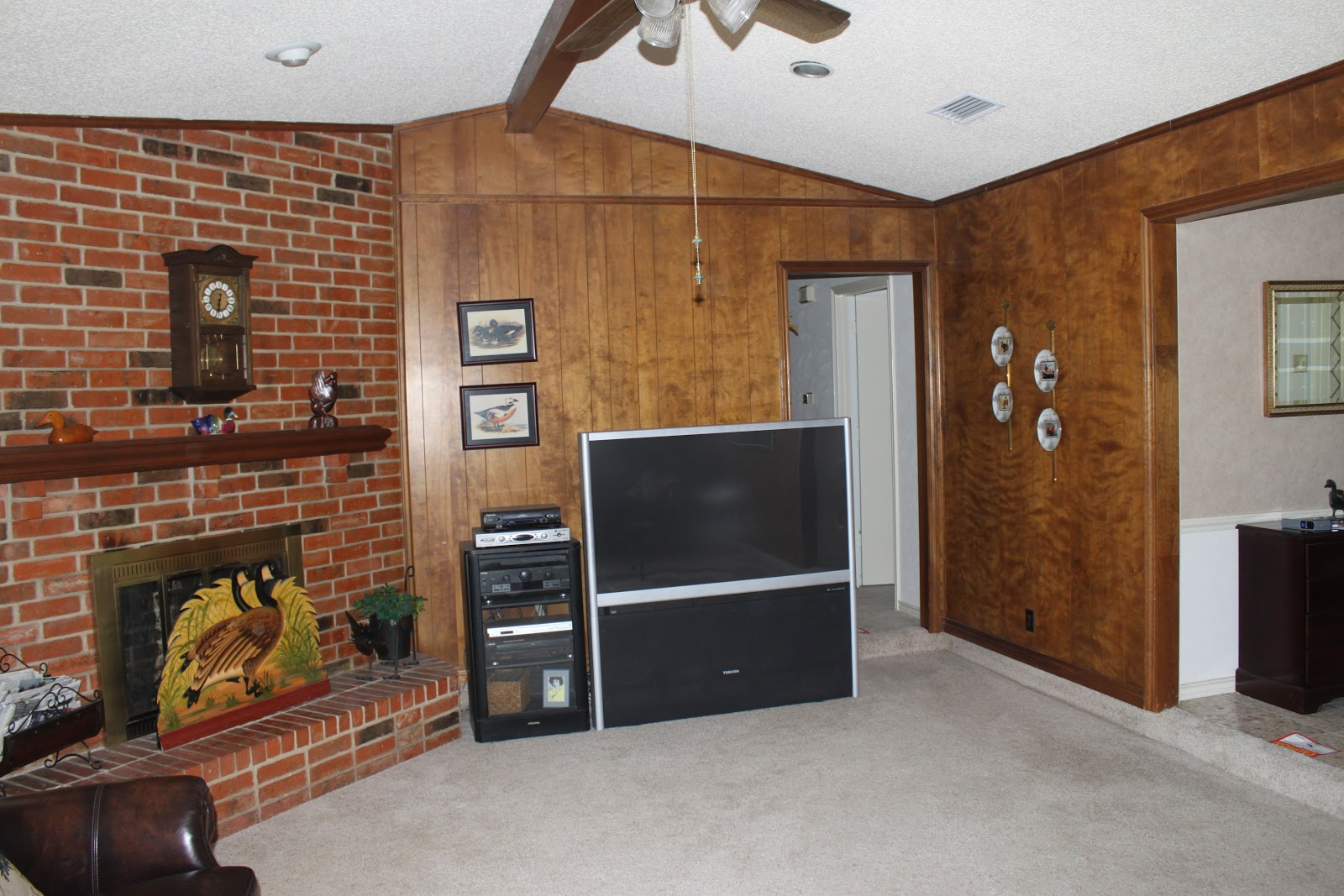 Image of: Cheap Wood Paneling Plans
