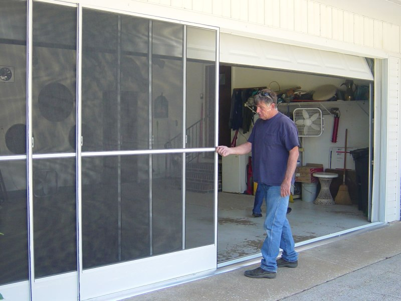 Image of: Modern Garage Door Screen Panels