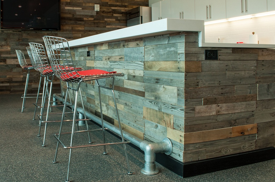 Image of: Pallet Reclaimed Barn Wood Paneling