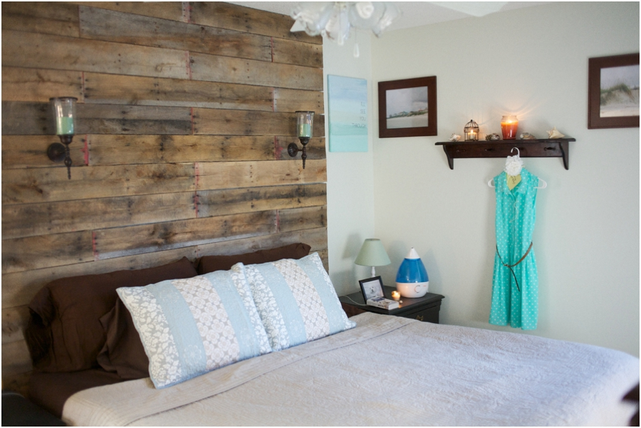 Image of: Reclaimed Wood Panel Headboard