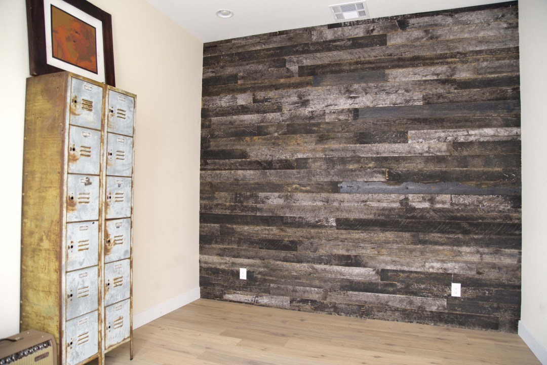 Image of: Rustic Wood Wall Paneling Design