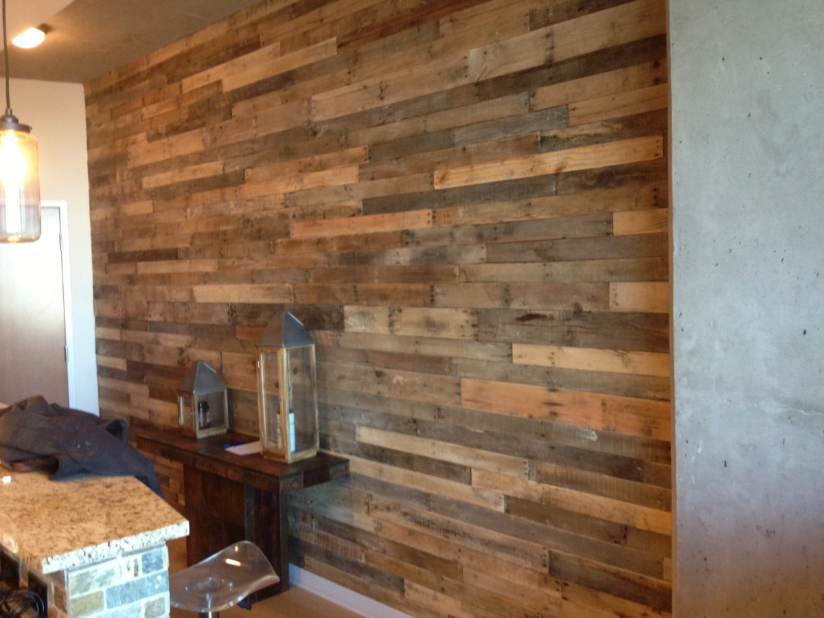 Image of: Unique Rustic Wood Wall Paneling
