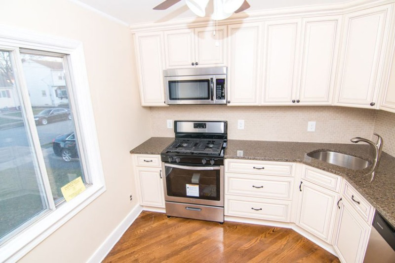 Image of: White Recessed Panel Kitchen Cabinets