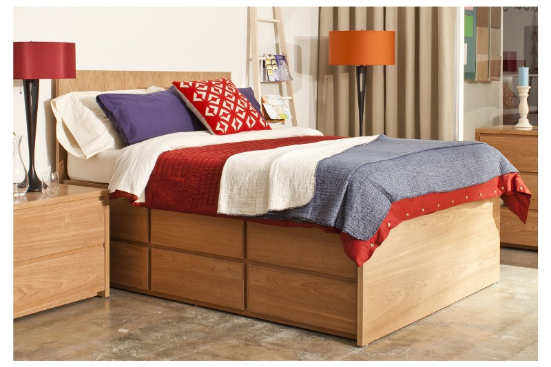 Picture of: 12 Drawer Queen Storage Bed