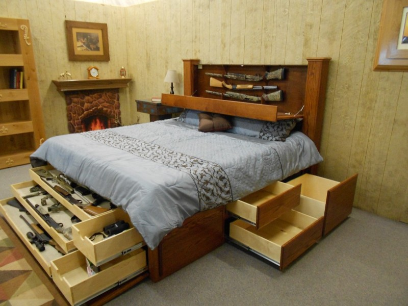 Picture of: Amazing King Beds With Storage Drawers Underneath