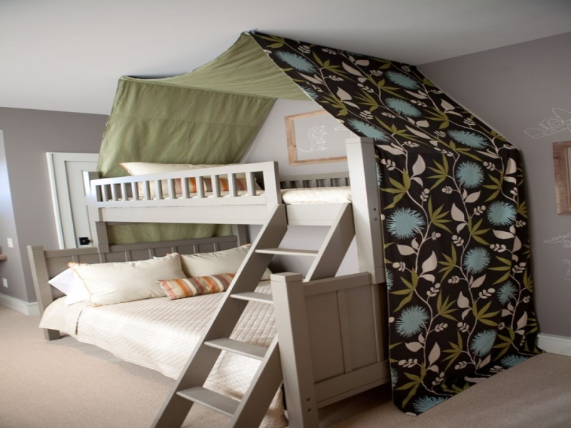 Picture of: Bunk Bed Canopy Ideas