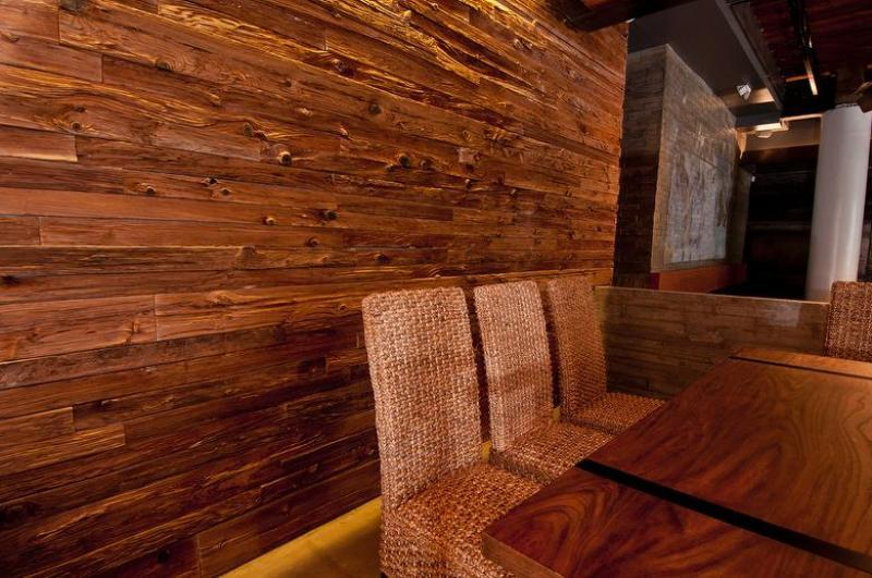 Picture of: Horizontal Interior Wood Paneling