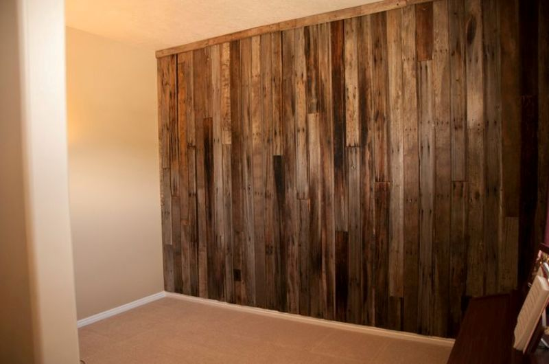 Image of: Horizontal Wood Paneling Accent Wall