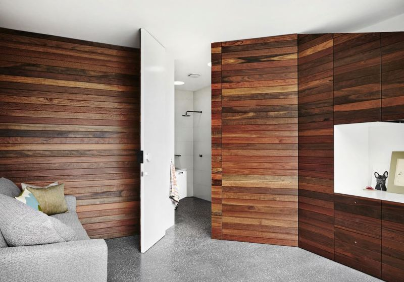 Picture of: Horizontal Wood Paneling On Walls