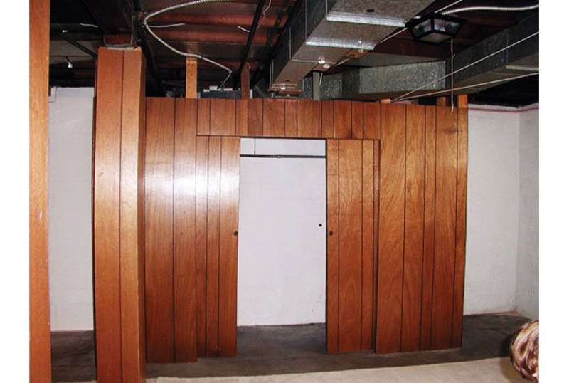 Picture of: How To Paint Wood Paneling Decor
