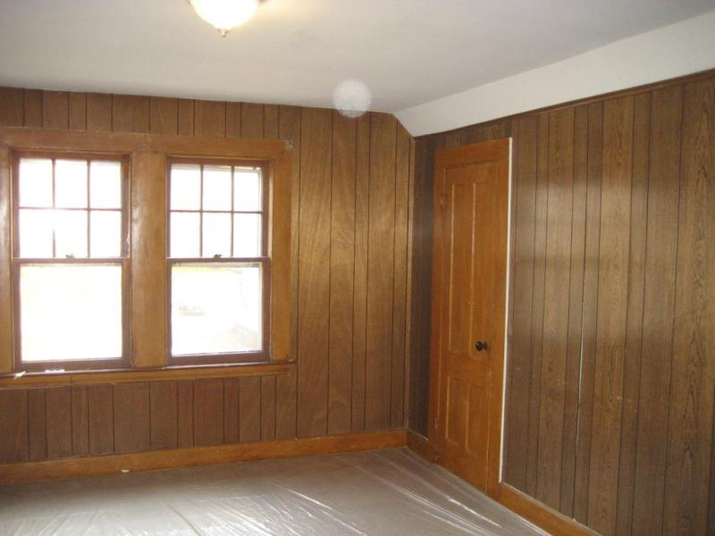 Picture of: How To Paint Wood Paneling Walls