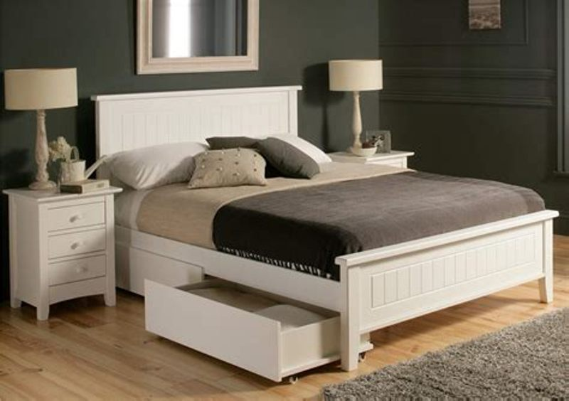 Picture of: King Beds With Storage Drawers Underneath White
