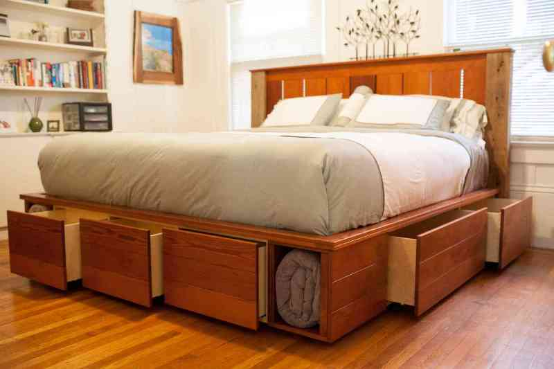 Image of: King Size Bed With Drawers On All Sides