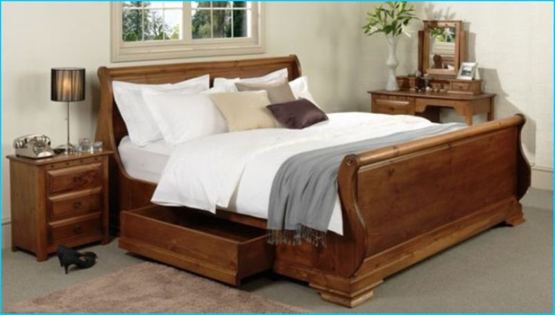 Image of: King Size Sleigh Bed With Storage Drawers
