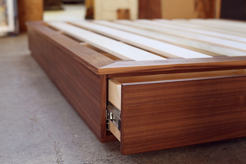 Picture of: King Size Storage Bed With Drawers