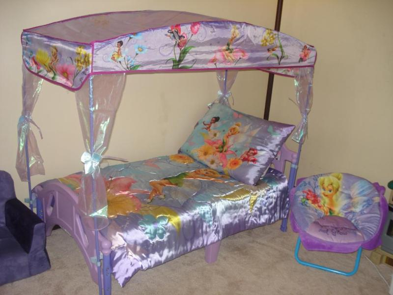 Image of: Toddler Bed Canopy Baby