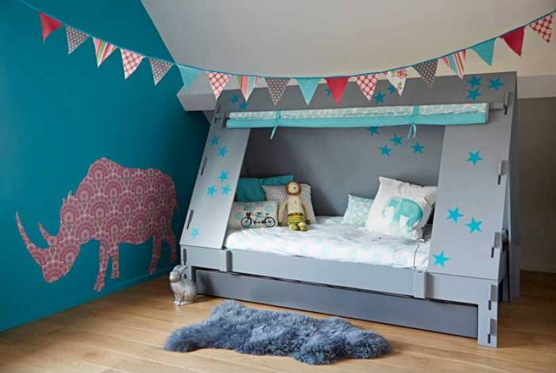 Image of: Toddler Bed Canopy Brackets