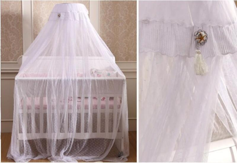 Image of: White Toddler Bed With Canopy