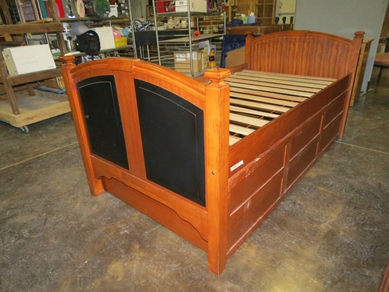 Beautiful Trundle Bed With Drawers