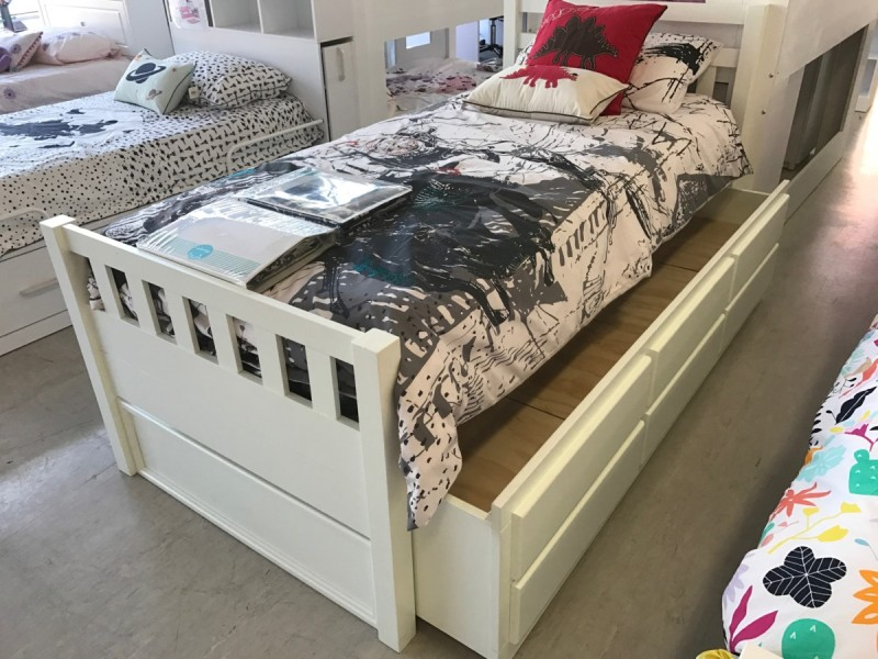 Image of: Captain Bed With Trundle And Drawers