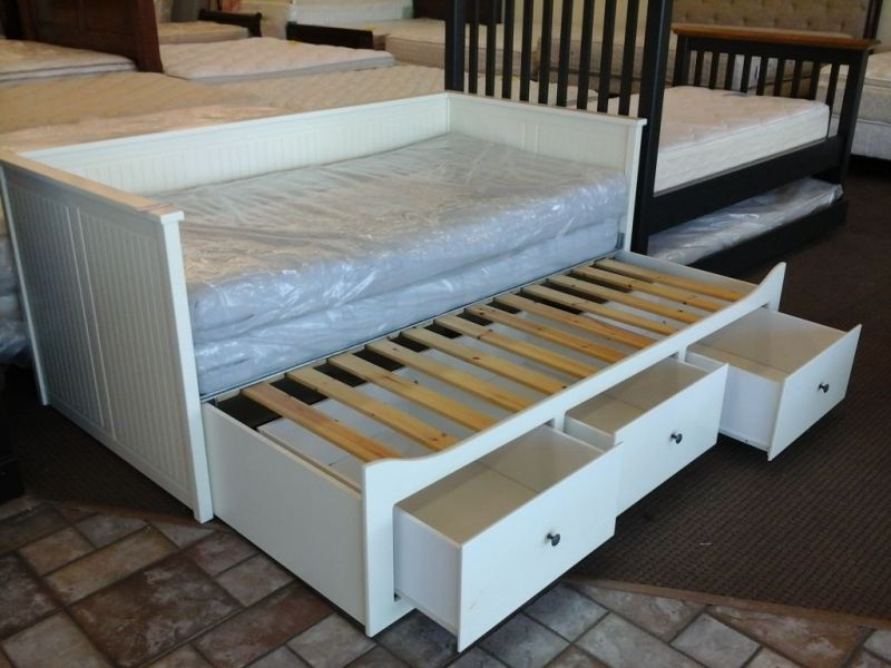 Image of: Ikea Trundle Bed With Drawers