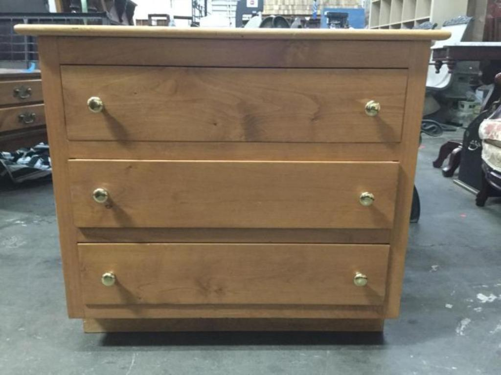Image of: 3 Drawer Dresser Solid Wood