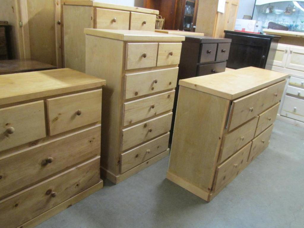 Image of: Affordable Dressers And Chests
