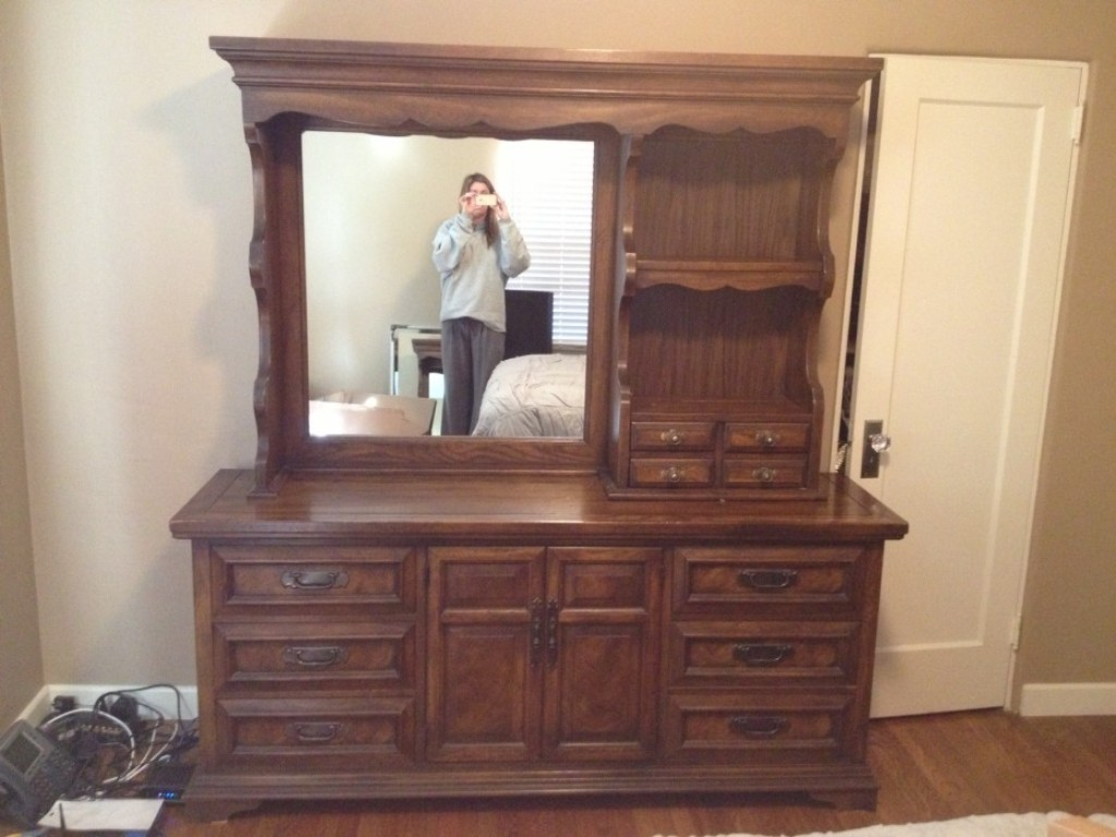 Image of: Amazing 6 Drawer Dresser With Mirror