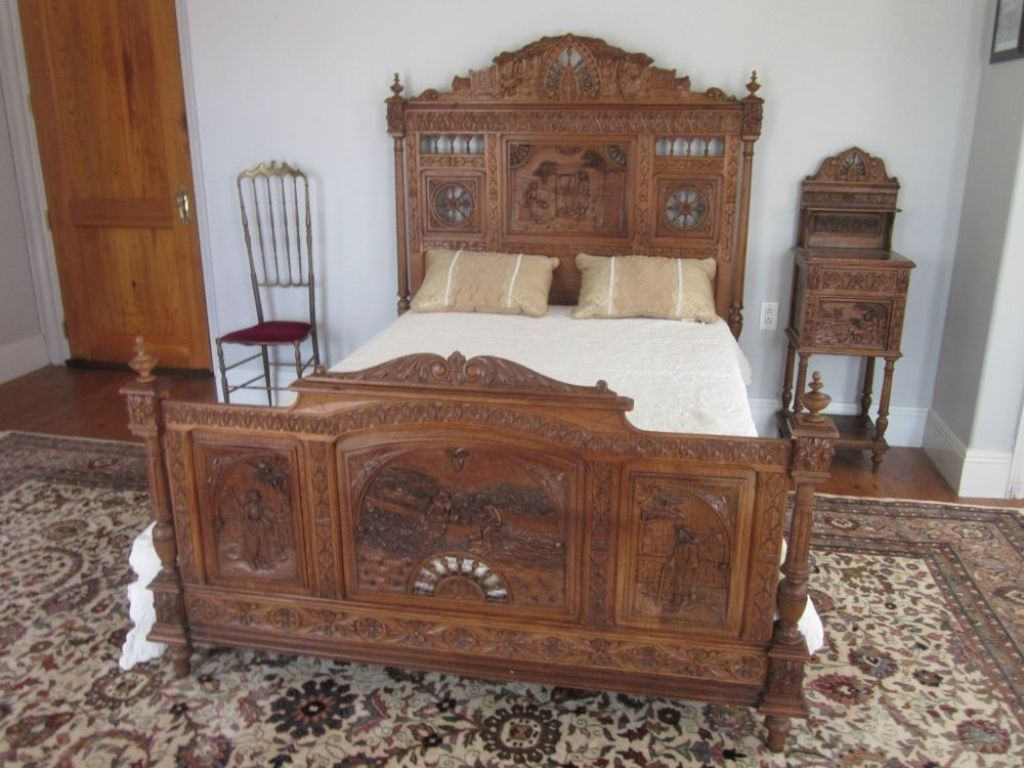 Image of: Antique Bedroom Dresser