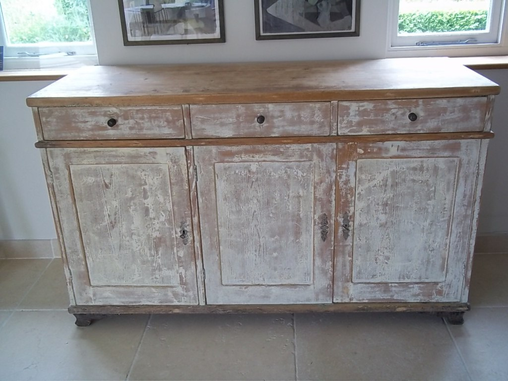 Image of: Antique Dressers Painted
