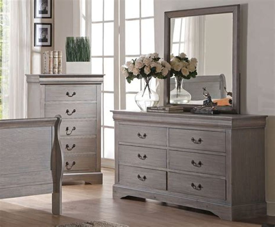 Image of: Antique Grey Dresser With Mirror