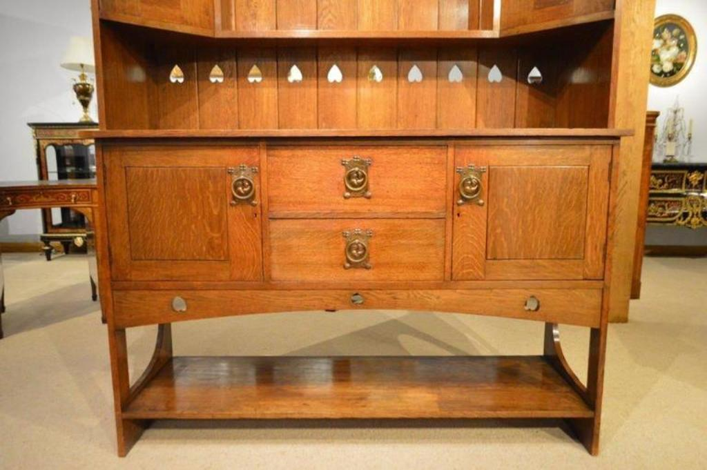 Picture of: Arts And Crafts Dresser Antique