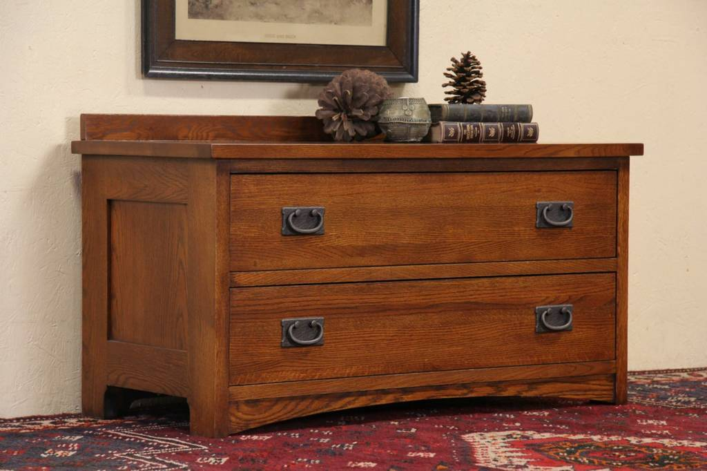 Picture of: Arts And Crafts Style Dresser