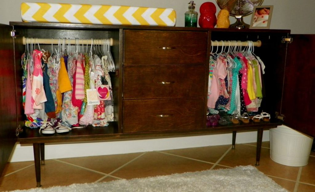 Image of: Babies R Us Changing Table Ideas