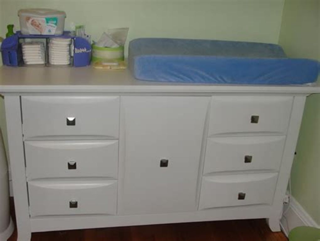 Image of: Babies R Us Changing Table