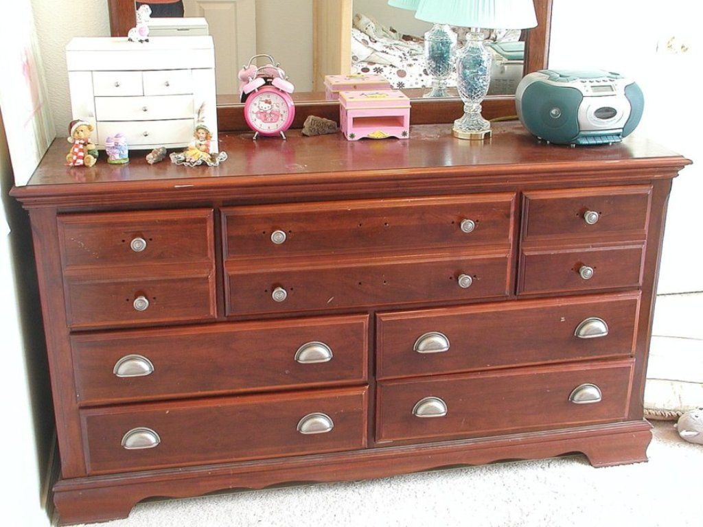 Image of: Bedroom Dresser Handles