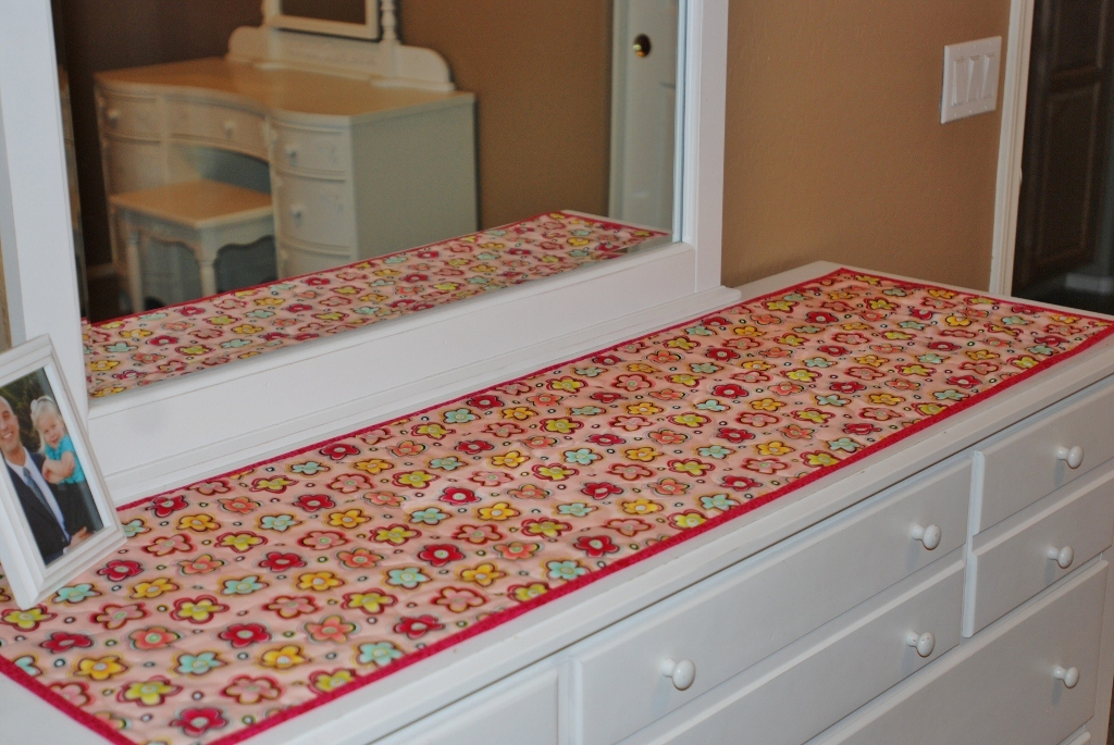 Image of: Bedroom Dresser Runners