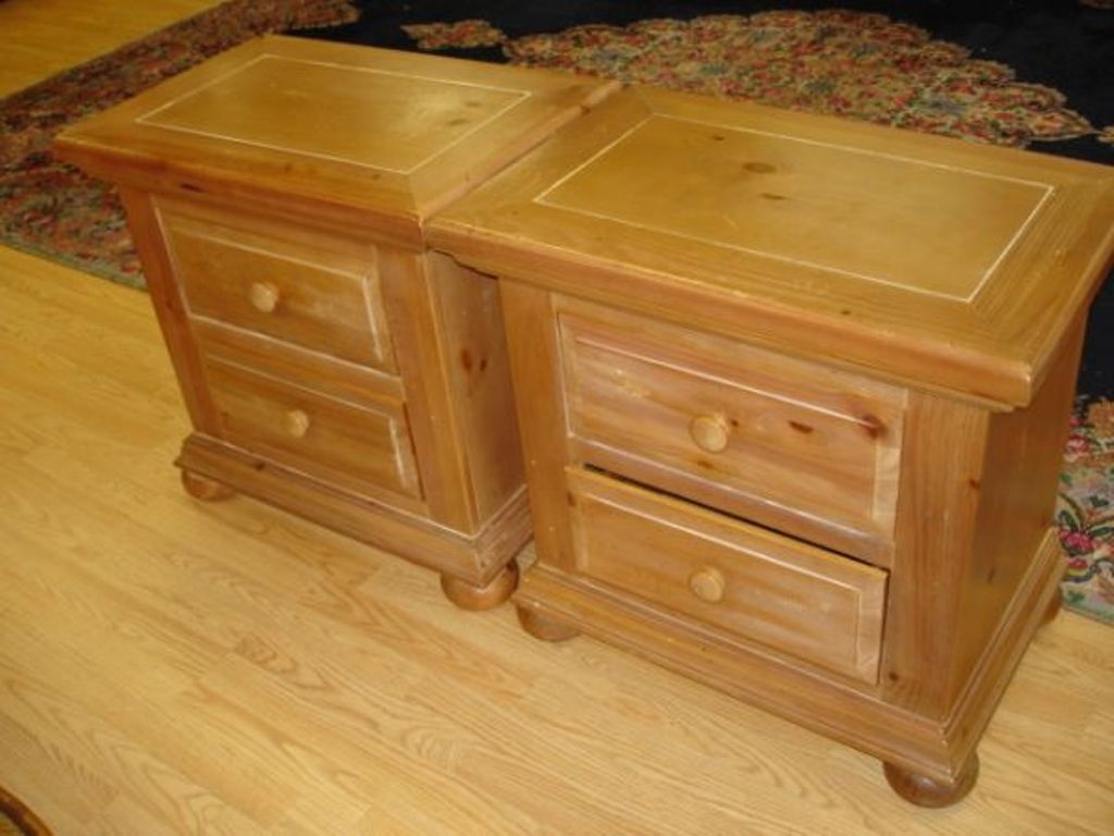 Broyhill Dresser: Again And Again With New Designs