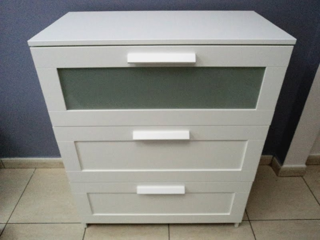 Image of: Modern Changing Table Dresser Ikea