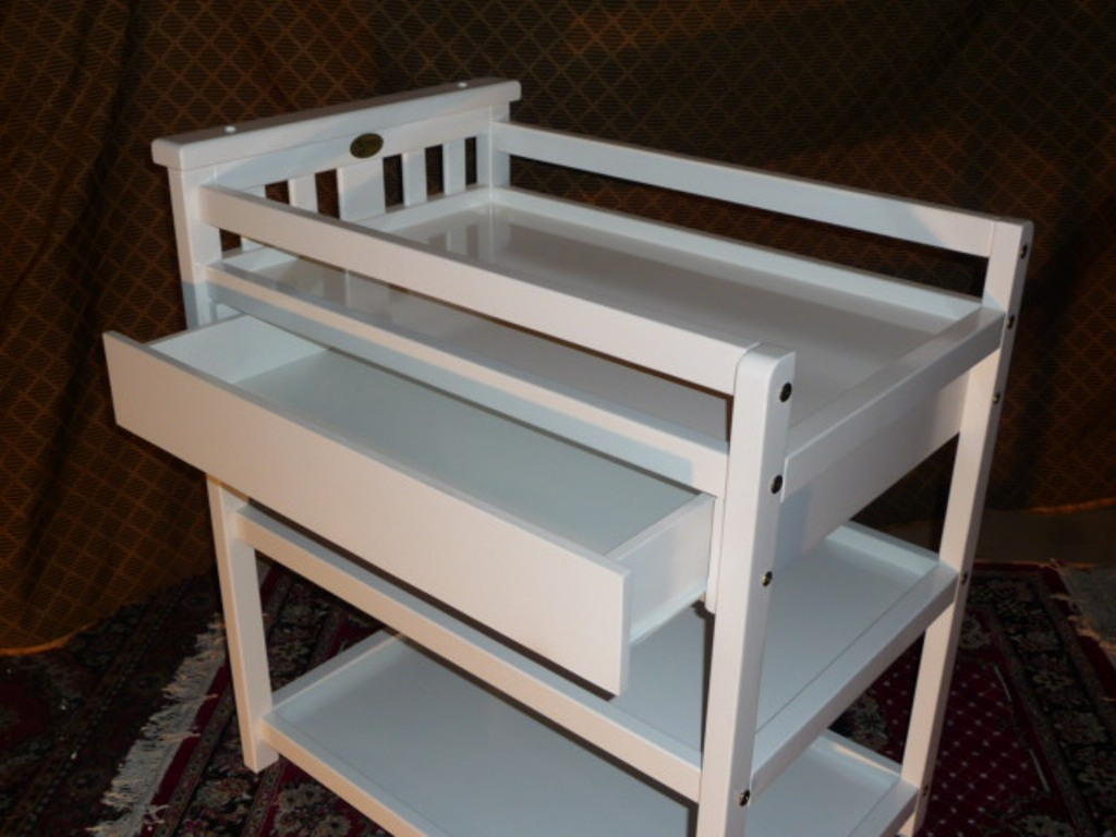 Image of: Changing Table With Drawers Design