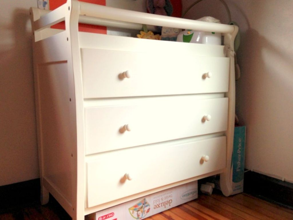 Image of: Cheap Changing Table
